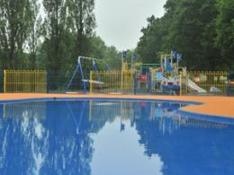 Bourne Park paddling pool and play area