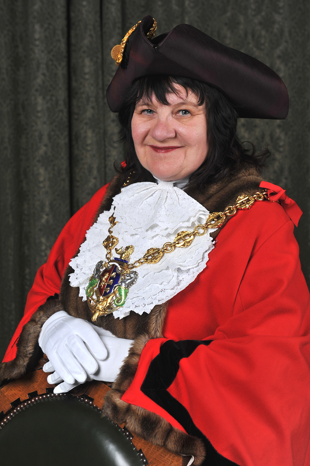 Mayor of Ipswich Cllr Elizabeth Hughes in mayoral robes and chain